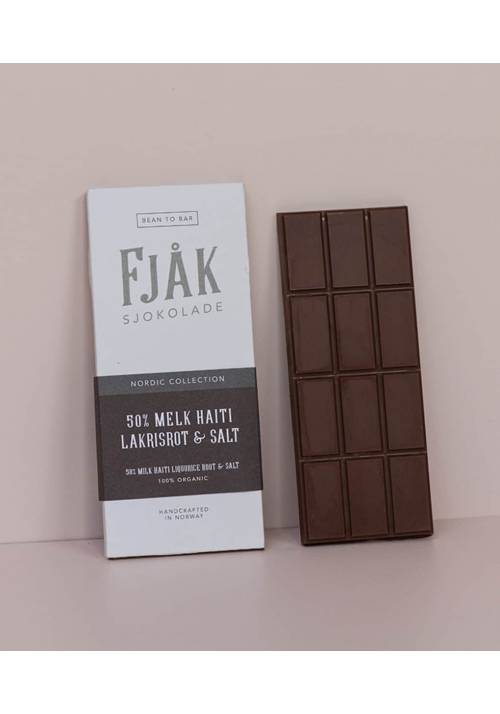 Fjåk Sjokolade Mleczna 50% z lukrecją i solą
