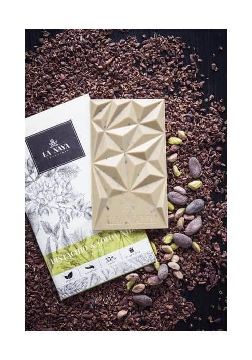 La Naya czekolada biała z pistacjami i nibsami kakaowymi